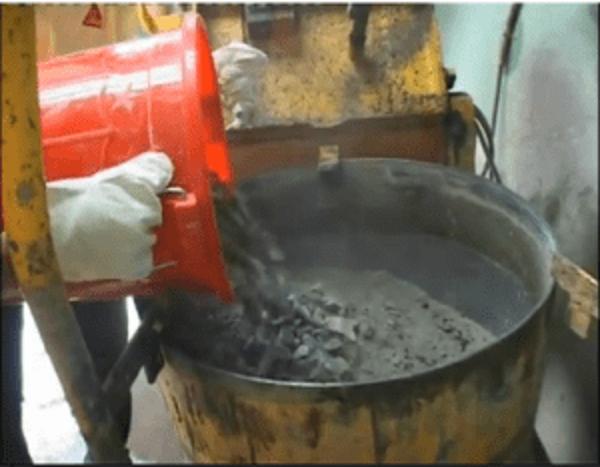 Phụ gia kéo dài thời gian ninh kết và giảm nước Sikament R4